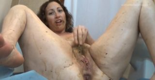 Masturbation Of The Clit To Shit - 1